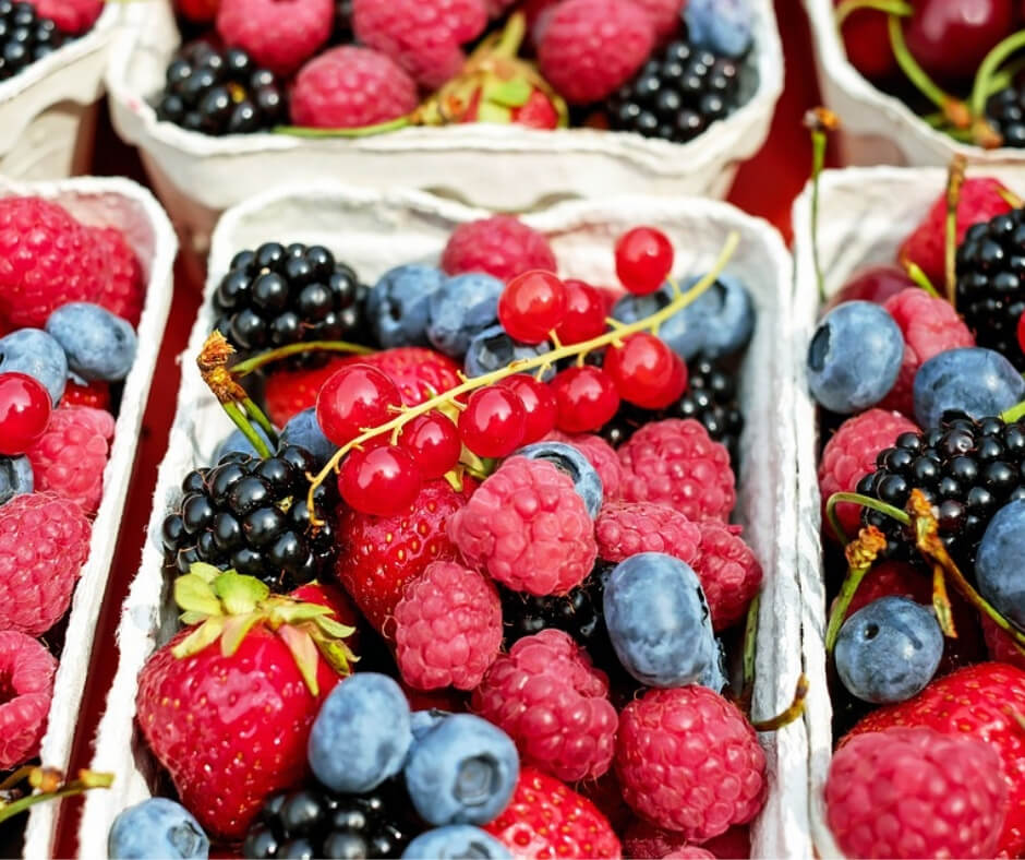 mixed berry basket